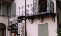 scala-chiocciola-grande-con-balcone